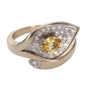 image of diamond gold sapphire ring.