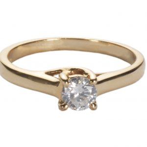 image of ladies gold diamond ring