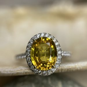 Yellow Sapphire & Diamond white gold ring