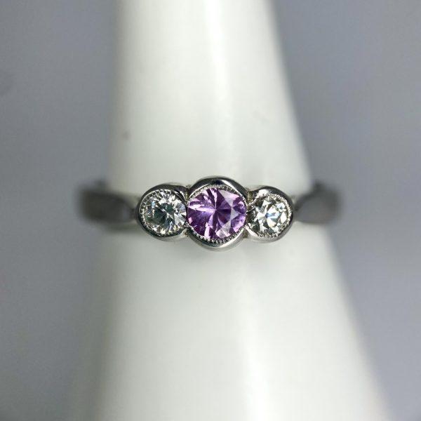Pink sapphire & Diamond ring